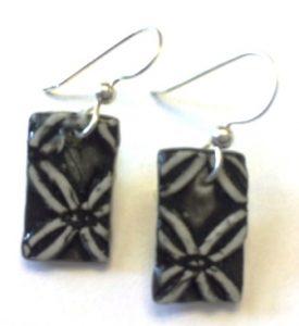 earring-lacy-black