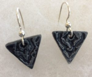 earrings-obsidian-triangle