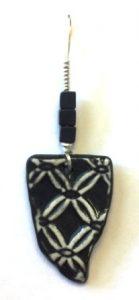 lacy-black-pendant